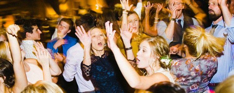 bartlett weddings balue reception 196 hands up 51 548116 1571187712