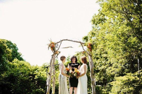 d marthas vineyard lesbian wedding