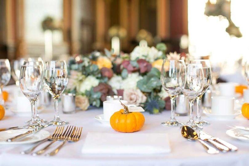 rosae autumn table