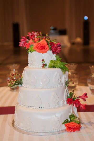girls in pearls cakes wedding cake nashville tn weddingwire. Black Bedroom Furniture Sets. Home Design Ideas