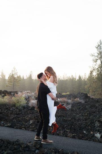 wedding 44368 51 985216 1558710007
