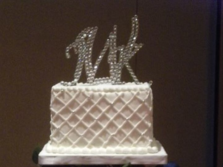 Tmx 1516754982 2965b6c35ecfa5f7 1516754982 D0e09f8cf9d3e503 1516754982418 7 Wedding Cake Katy, TX wedding cake