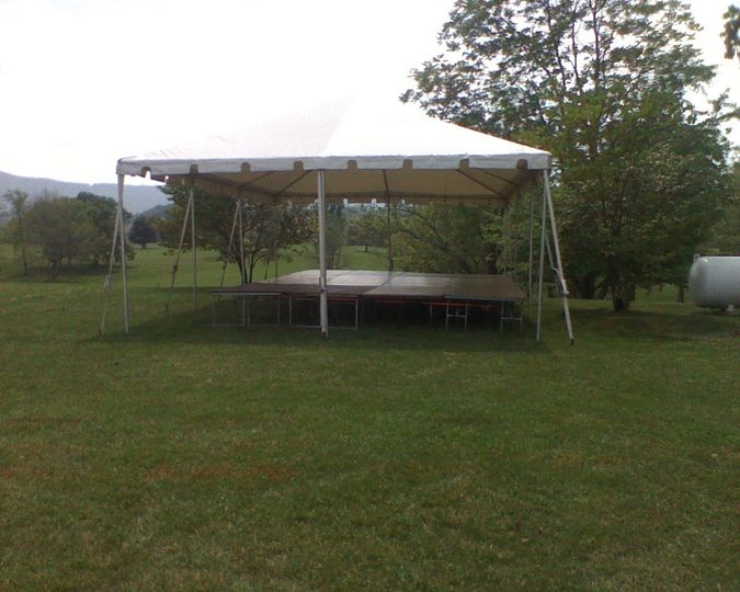 20x20 frame canopy with a stage