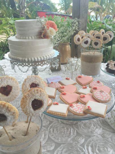 White Flower Cakes Wedding Cake Punta Cana Do Weddingwire