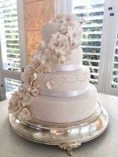 White flower cakes wedding cake punta cana weddingwire 800x800 1499283053162 wedding cakes birthday cakes punta cana wf 10 of 1 mightylinksfo