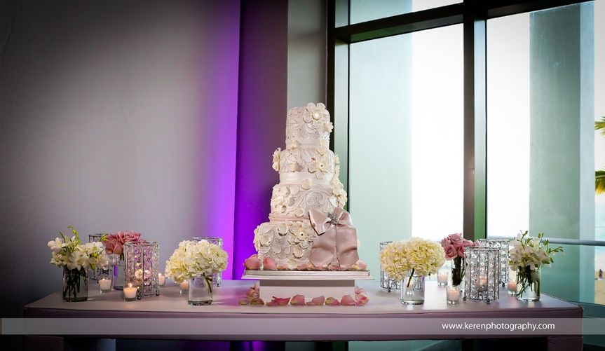 Beautiful elegant wedding cake, celebrated at La Concha Hotel, San Juan Puerto Rico
