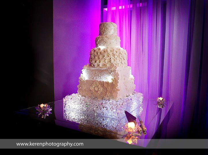 Beautiful white wedding cake for a formal Wedding at La Concha Hotel in Puerto Rico