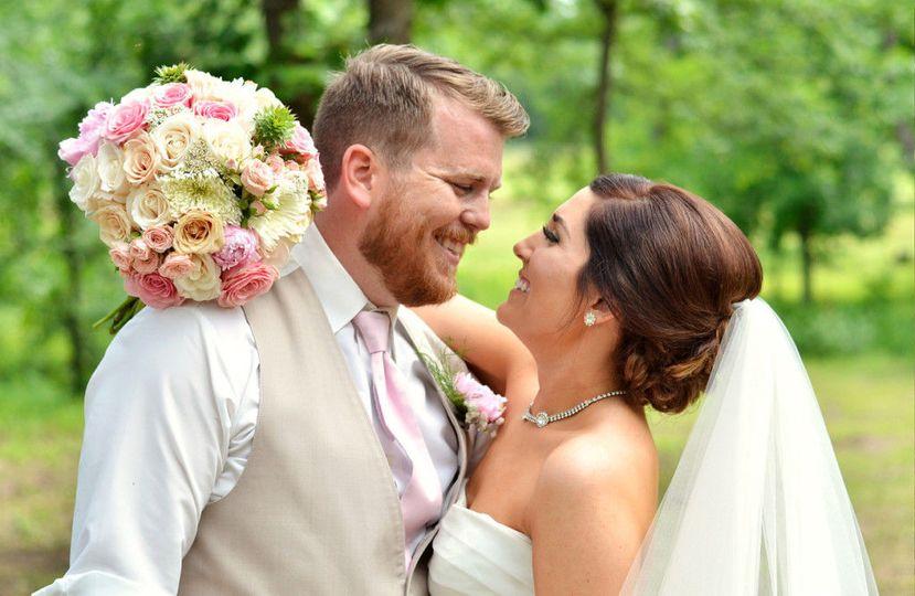 4c7e0bca4d5445cb bride groom laugh springfield missouri wedding photography 1024x667