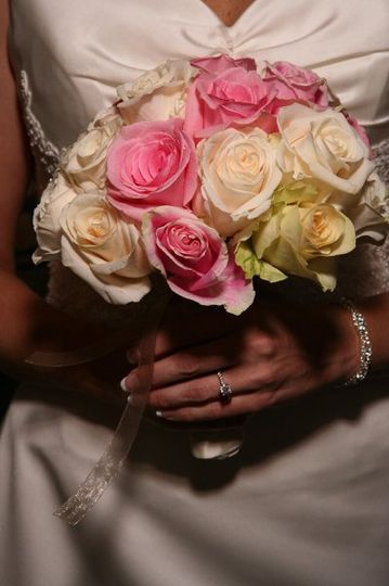 800x800 1250462657260 bridewithflowers