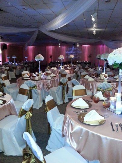 Dmd event planning and design flowers jackson ms weddingwire 800x800 1435084376454 heather wedding junglespirit Images