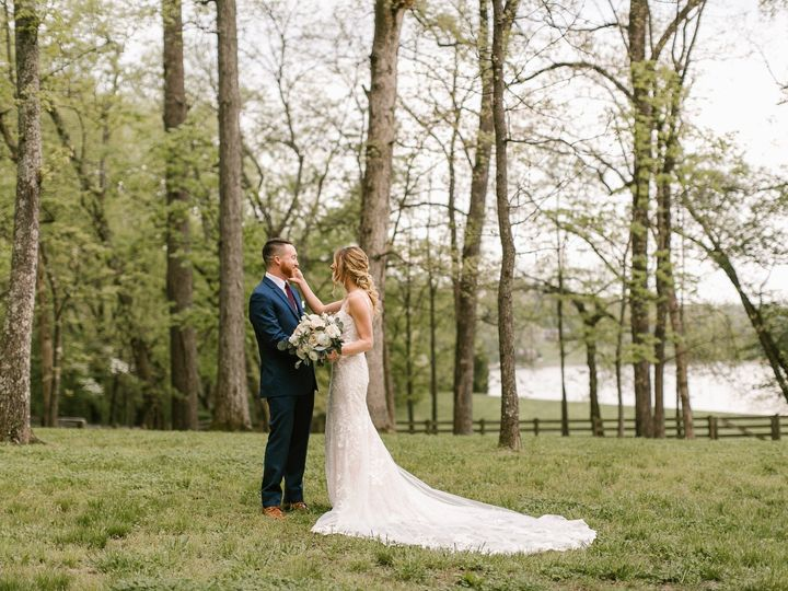 Tmx Jordan Fierley Riverview Farm Favorites 0005 51 760416 157695948549408 Knoxville wedding venue
