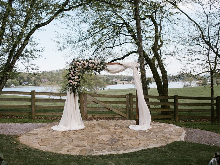 Tmx Jordan Fierley Riverview Farm Favorites 0016 51 760416 157695948038969 Knoxville wedding venue