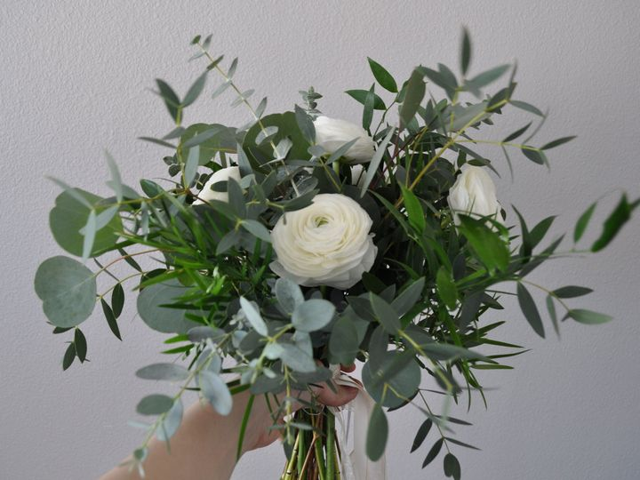Tmx 1519772229 B7f9175be5a301c5 1519772225 1fb1af740f72945e 1519772215697 6 IMG 6362 Whitefish Bay, WI wedding florist