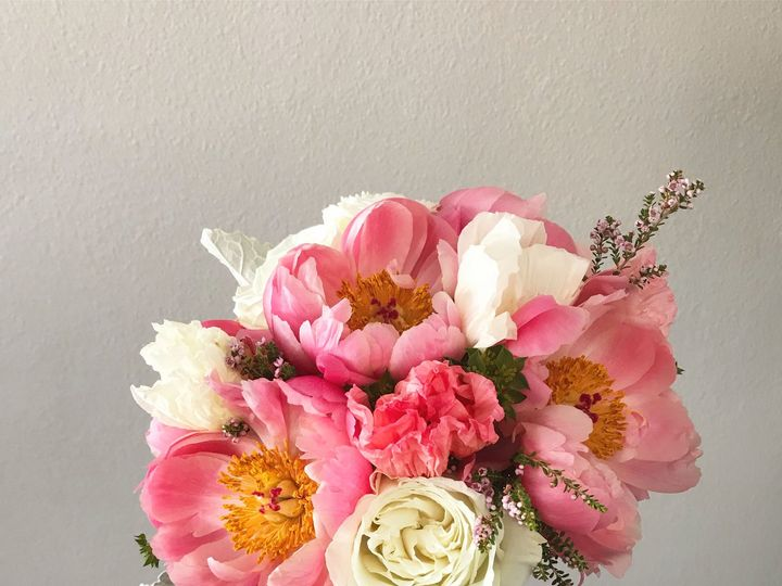 Tmx 1519772231 C899d540c0d5bc9e 1519772228 B5983a28e2bbb654 1519772215701 10 IMG 6164 Whitefish Bay, WI wedding florist