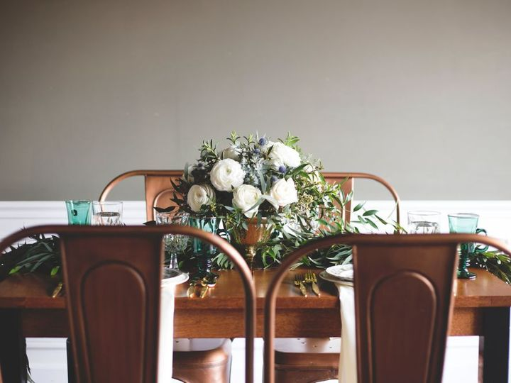 Tmx 1523979139 829137457d848004 1523979138 Ab9b81c6286b7bec 1523979136984 5  MG 9769 Whitefish Bay, WI wedding florist