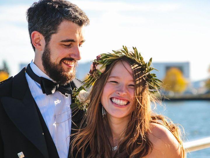 Tmx 1523979309 5ddc350249f4d42c 1523979308 58f5e92fdf26ae54 1523979307058 1 23467476 156395336 Whitefish Bay, WI wedding florist