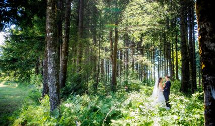 Gorge-ous Weddings at Wind Mountain Ranch 1