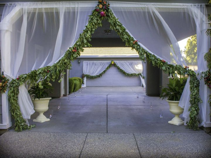 Tmx Img 9102s 51 183416 159718408415412 Elk Grove, CA wedding florist