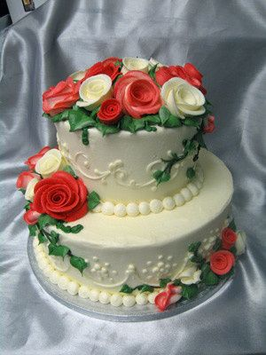two tier red rosescake
