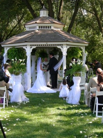 Getting married under the Pavilion Gazebo at The Abbey Resort.