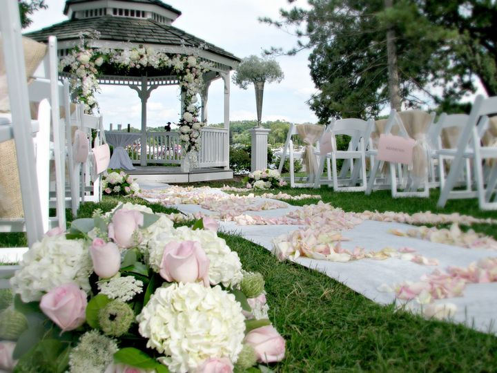 The Abbey harborview Gazebo for the perfect wedding ceremony.
