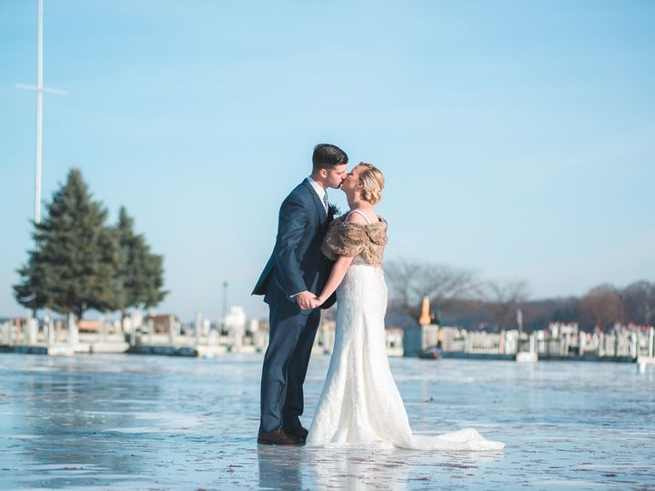 Tmx  Bph8424 145 X2 51 66416 1565818600 Fontana, WI wedding venue