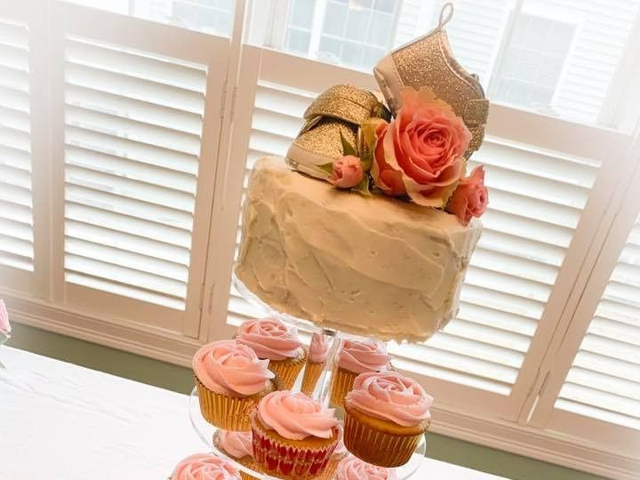 Tmx 55704658 797413183960611 4170188420057923584 N 51 976416 157850033045325 Biddeford, Maine wedding cake