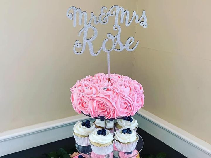 Tmx 65443554 856835561351706 3928416181161033728 N 51 976416 157850042179688 Biddeford, Maine wedding cake