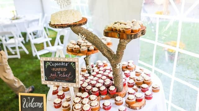 Tmx 77062899 964707590564502 2340763953778393088 N 51 976416 157850045054513 Biddeford, Maine wedding cake