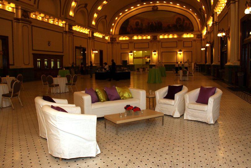 3e02c36b3ed70c6e 1406138827961 gtand hall lounge setup