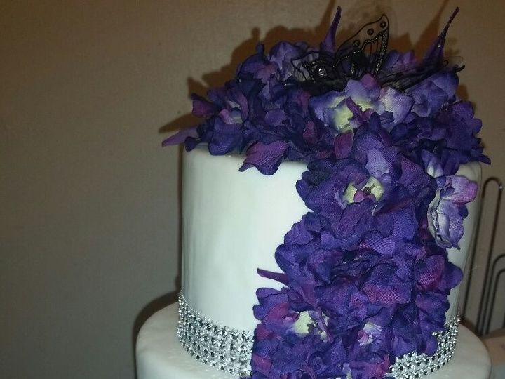 Tmx 1528806970 695d61c76b4644f2 1528806969 A2410d0aaccf409e 1528806968873 1 Lee Lei Horsham wedding cake