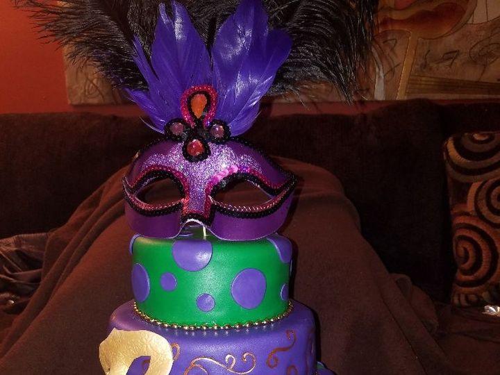 Tmx 1528807360 45278b19c646b1e1 1528807359 B8845f9e9262040e 1528807359090 9 MARDI GRA Horsham wedding cake