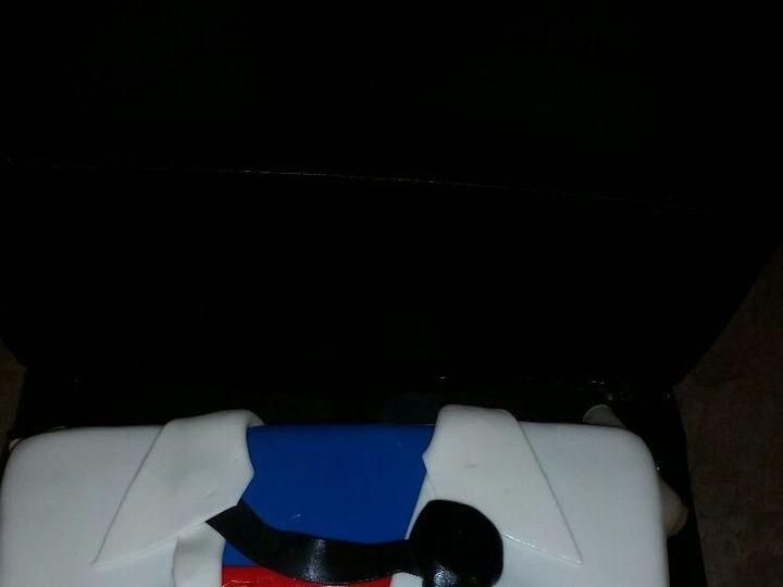 Tmx 1528807653 2fc053d235f4ff5b 1528807652 Fda76e9bb26b0805 1528807651875 11 SUPERMAN GROOM Horsham wedding cake