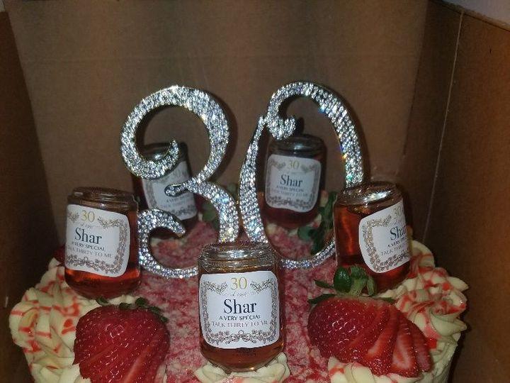 Tmx 1528817161 9e2ab41f9378924c 1528817160 759eb23f4f367f47 1528817158185 5 Strawberry Henny Horsham wedding cake