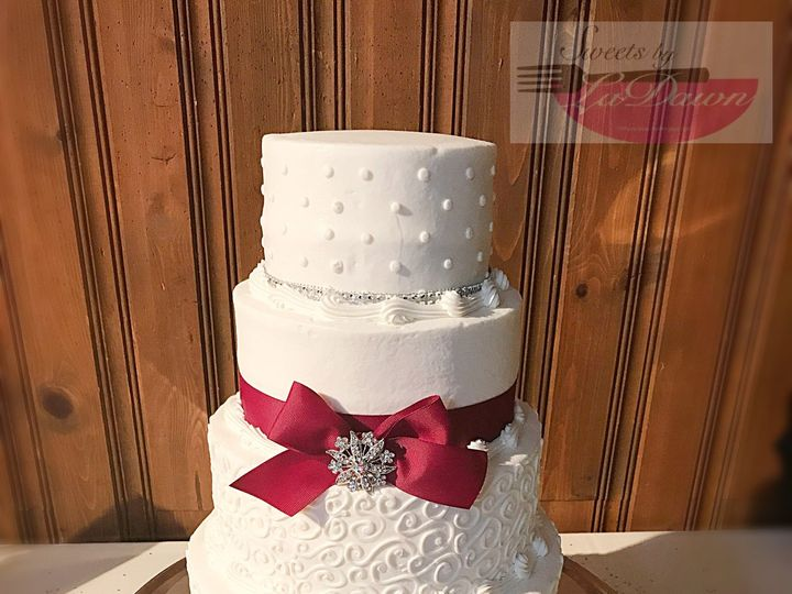 Tmx 1538896960 7909f13090e249b3 1538896956 9cda3883579bd905 1538896932443 7 1580BD61 ADFA 486A Cincinnati, Ohio wedding cake