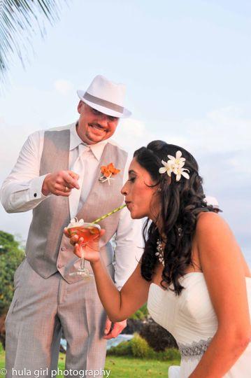 hula girl goom pointing brides drink 6