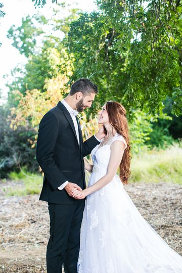 Fullerton arboretum wedding, christian wedding couple, classic wedding photo