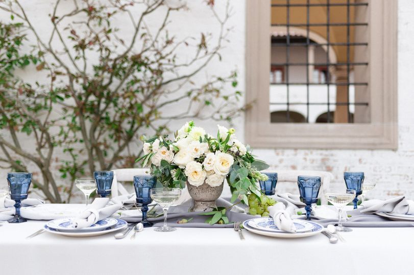 Reception dinner table arrangmenet