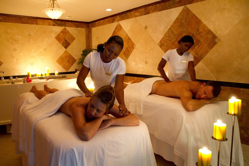Couples massage at radiant spa