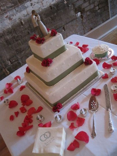 Petals on wedding cake