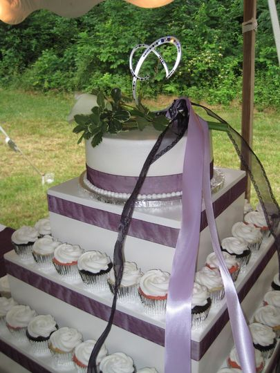 Wedding cake with mini cupcakes