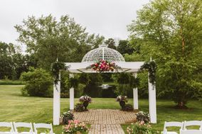 Apple Blossom Chapel and Gardens LLC