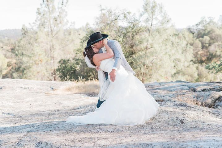Tmx 1487552685907 7f4aacf1 1792 4061 Bc00 058fcdf37317rs2001.480.fit Clovis wedding photography