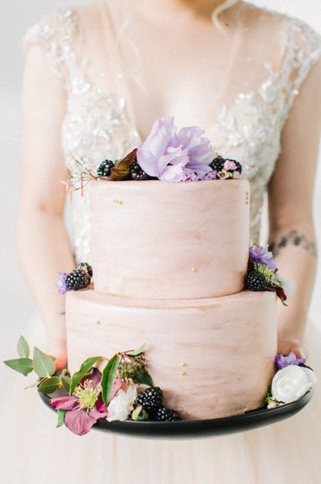 Florals by Nancy Liu Chin Designs Cake by Pretty Please Bakeshop with Image by Jasmine Lee