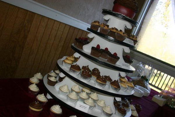 Tmx 1286565351612 Cupcakes Oak Ridge wedding cake