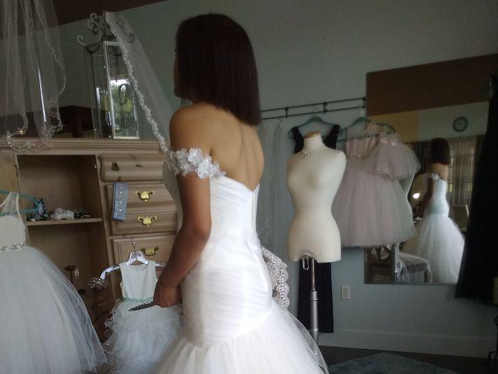 Tmx 1522377961 83d8cdfeeda1b34f 1522377958 7ca39d6f4056081c 1522377949002 9 P 20170520 121054 Denver wedding dress