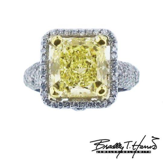 yellowdiamondpave