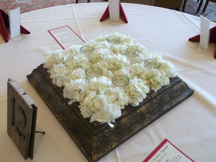 Tmx 1351025355535 DSCF0754 Kenosha, WI wedding florist