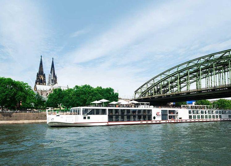 Honeymoon River Cruise!