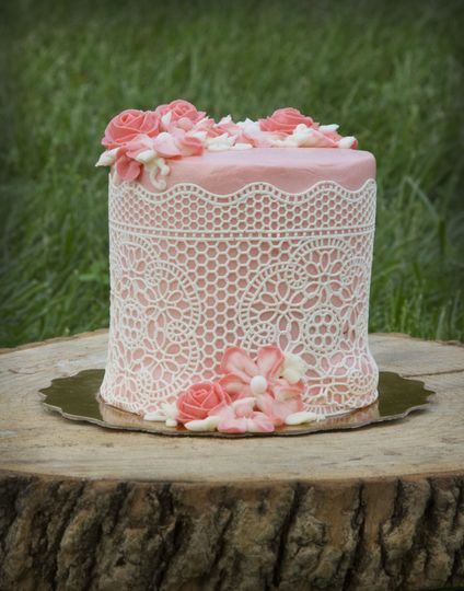 Lacey Sweetheart cake